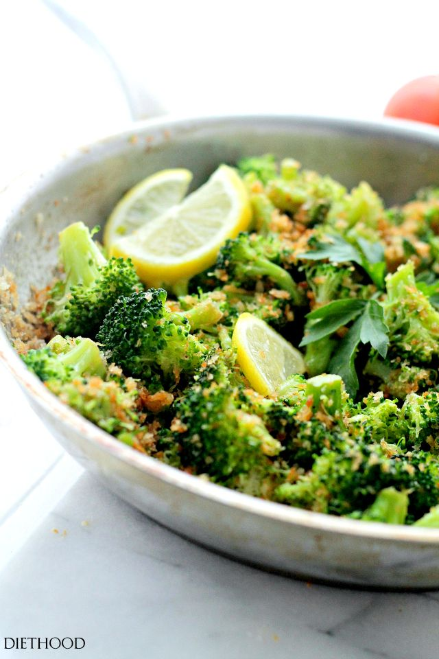 Garlicky Steamed Broccoli by diethood: Delicious and healthy side dish of steamed broccoli rolled in buttery panko crumbs, garlic and lemon. #Broccoli #Steamed #Healthy