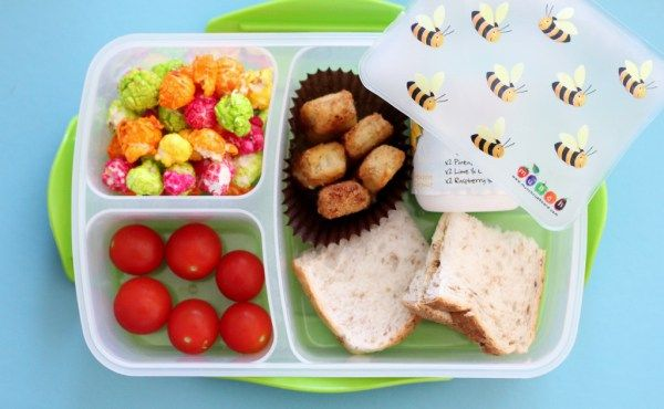 Munch lunch coolers, keeping kids lunch boxes cool since ages ago..