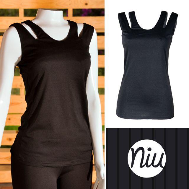 Blusa básica color negro, encuentra esto y mucho más en: www.niuenlinea.co