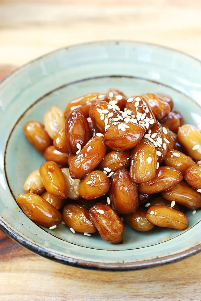 Ddangkkong jorim (Soy braised peanuts) - Sweet, savory, sticky and soft!