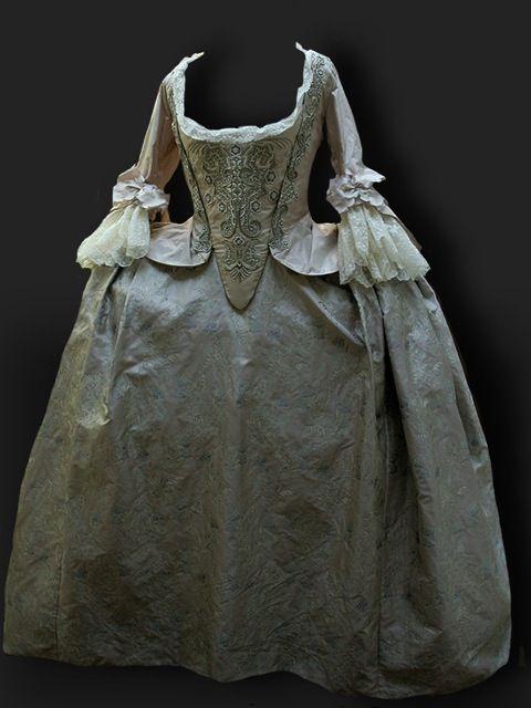 Reine des Centfeuilles. Mantua 1750