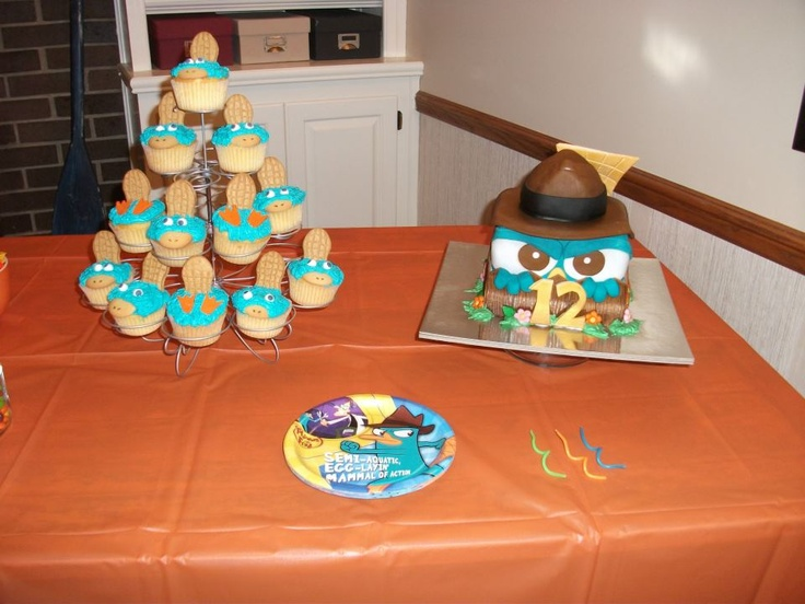 Agent P cake and Perry the Platypus cupcakes
