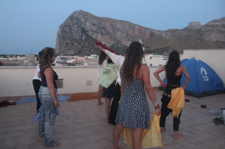 Danzaterapia with the sea and the Monaca Mount as our audience #dance #timbuktu