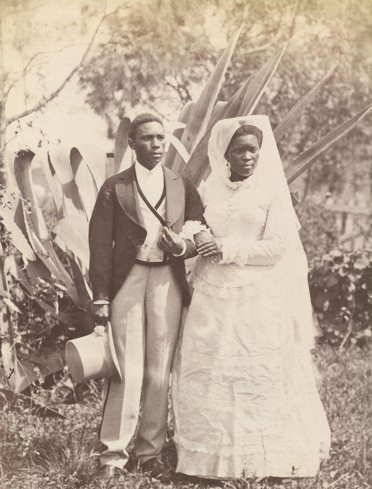 Мир Южной Африки (из альбома 1879. Англо-зулусская война) Директор школы из Верулана и его невеста Свадьбы в Эдендале. Уэслианская Миссия Зулусский миссионер с…