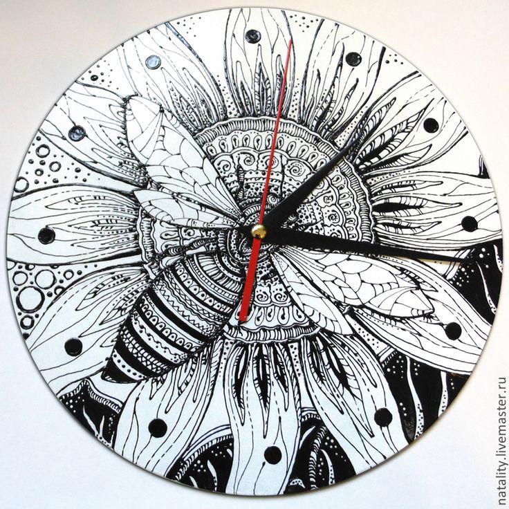 """Купить Часы """"Графика, пчела, цветок"""" - чёрно-белый, графика, часы графика"""