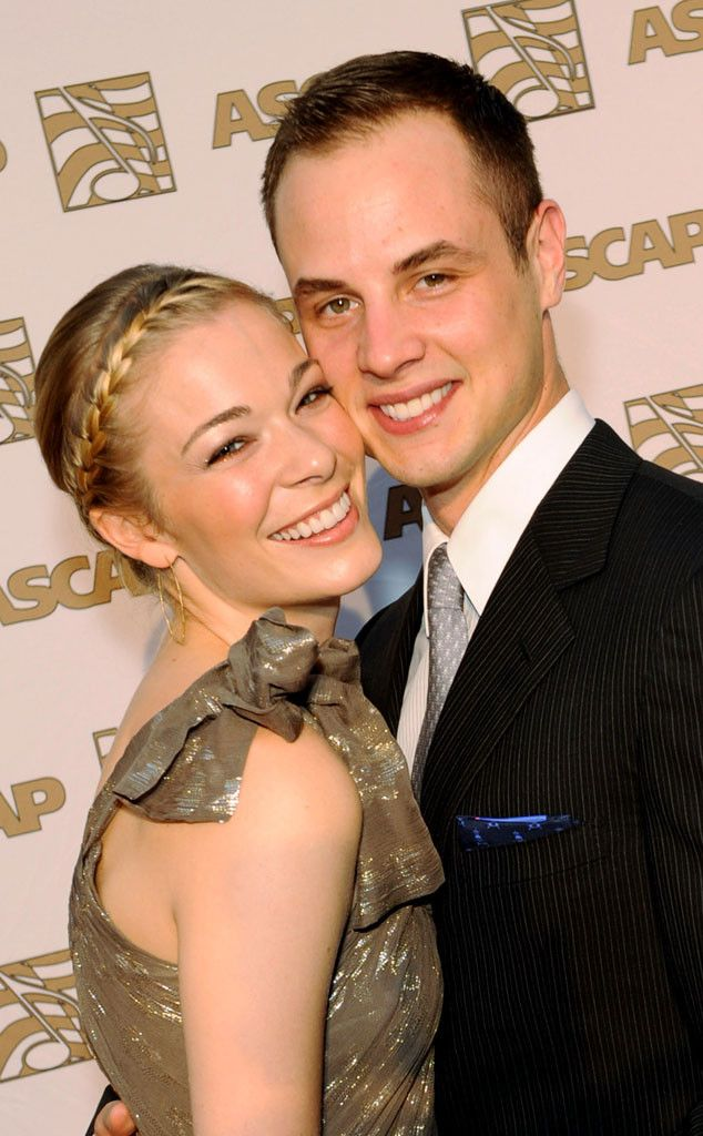 Dean Sheremet Calls LeAnn Rimes Cheating Scandal a F--king Disaster, Still Thinks Eddie Cibrian Is Untrustworthy | E! Online Mobile