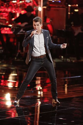 zach seabaugh | Zach Seabaugh's Pelvic Thrust Channels Elvis on THE VOICE PLAYOFFS ...
