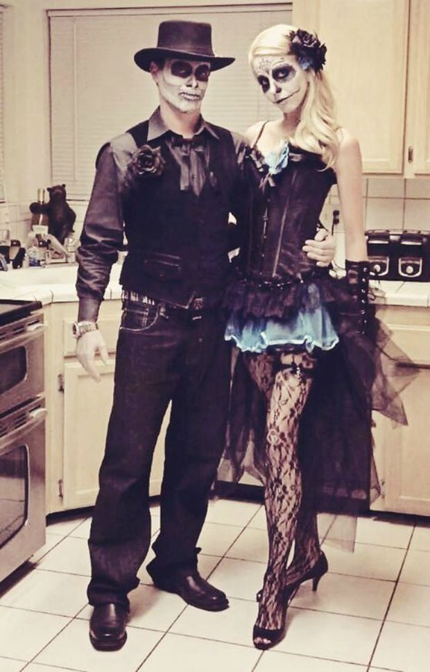 50 totally clever halloween costumes for couples - Halloween Costume For Adults 2017