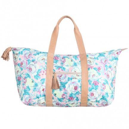 Did someone say beach bag? The ultimate for Bali - the Tassel Beach Bag #zimmermangoesto