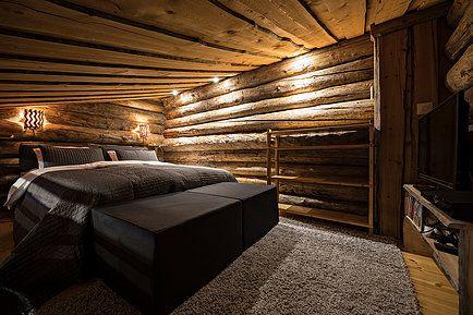 UnelmaPovi mökki yläkerta makuuhuone