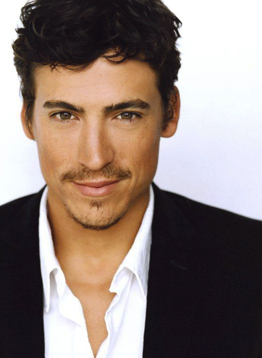 Andrew Keegan, or as he is better known, Joey from10 Things I Hate About You.