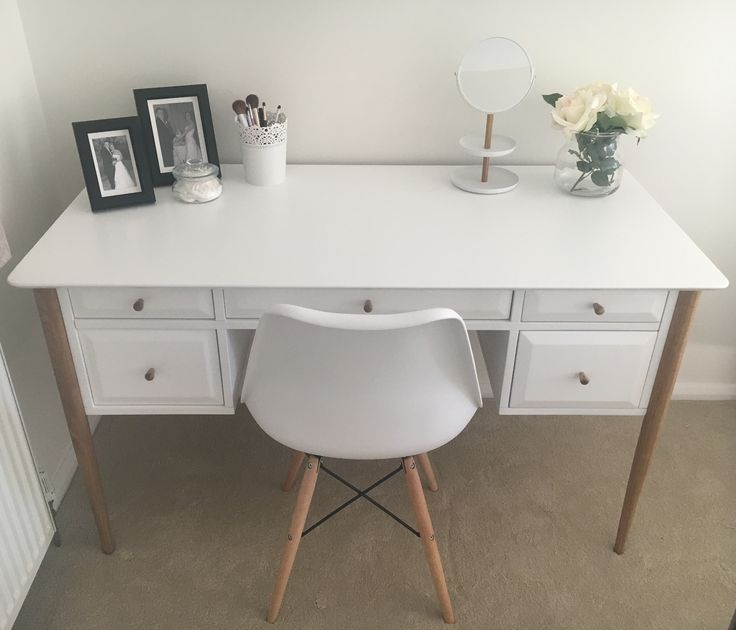 Dressing table and eames chair