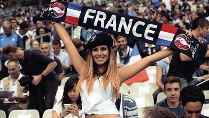 Hinchas de Croacia, Suecia, Alemania... en las tribunas alentando a sus selecciones. Bellezas. Una recorrida por las fotos que aparecen en Twitter.