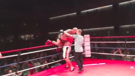 Heavyweight Shane Carwin Destroys Jason Ellis One Handed