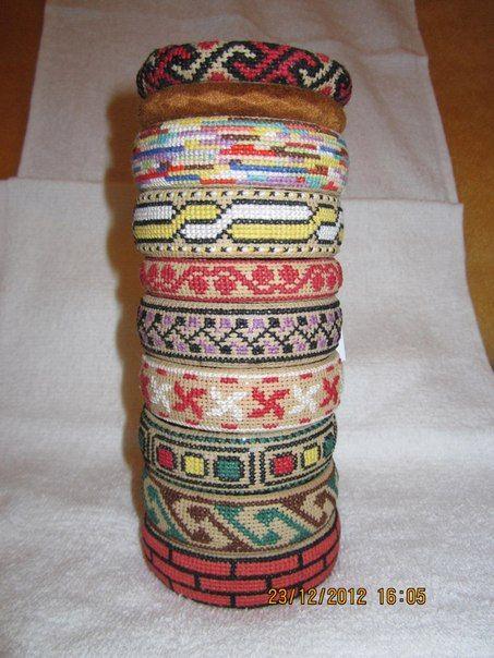 Браслеты с вышивкой крестиком