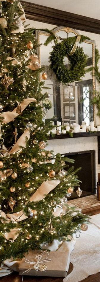 42 Amazing Christmas Tree Decorating Ideas: