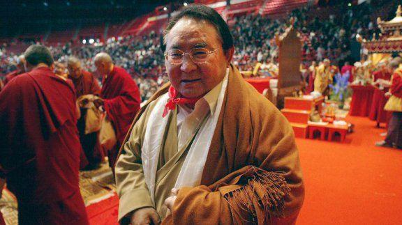 Sogyal Rinpoché, le maître du temple bouddhiste de Roqueredonde près de Lodève, au palais omnisport de Paris - archives. / © JOEL ROBINE / AFP