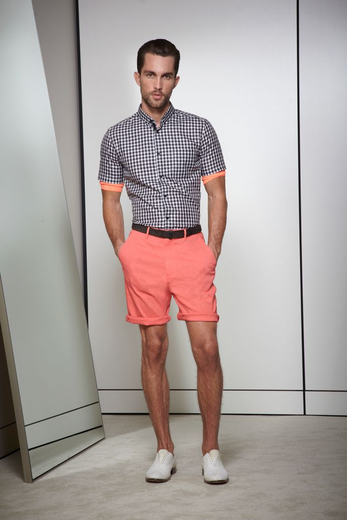 Elie Tahari Spring 2013 This look makes me want a rum punch on the veranda! Yes, please!