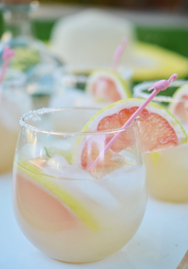 Grapefruit Margaritas are a virtual trip to Palm Springs #weeknightpartygirl
