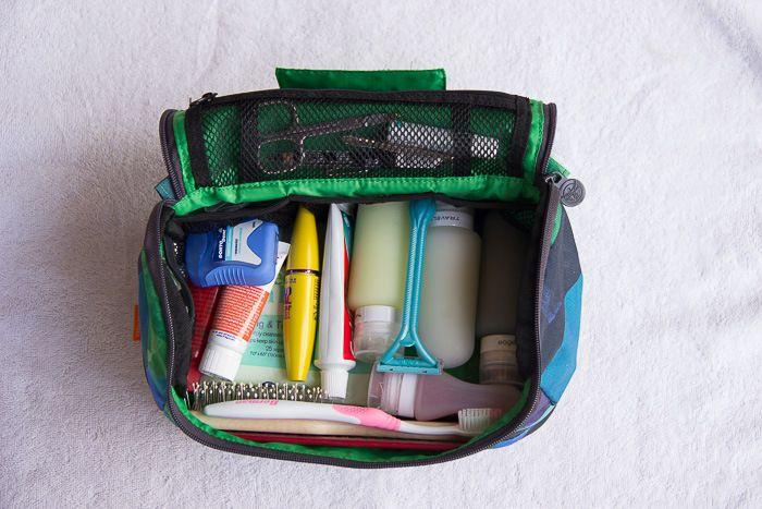 Was Du alles auf Deine Packliste und in Deine Kulturtasche packen solltest? Findest Du hier! Und dazu noch einige Tricks, zum Gewicht sparen...