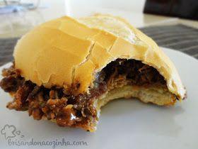 Receita de carne de porco desfiada para sanduíches, muito comum entre os norte americanos (pulled pork)