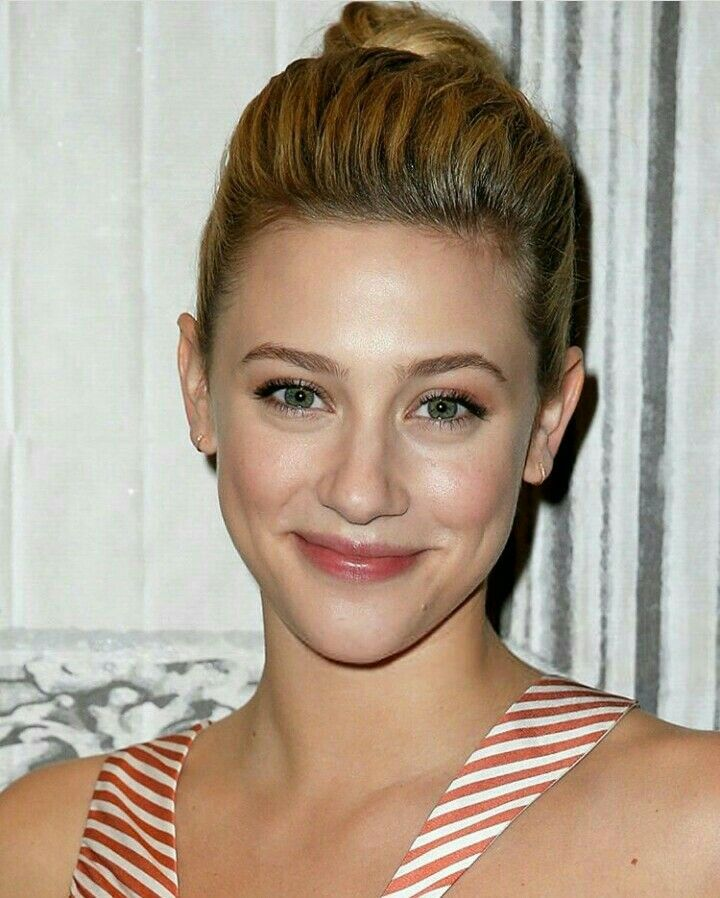 Pin by Fares Mohamed Salah on Lili Reinhart in 2020   Lili