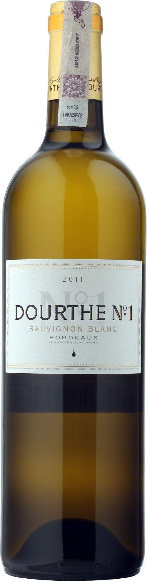 Dourthe No 1 Sauvignon Blanc Bordeaux A.O.C. W 1988 enolodzy z Dourthe po raz pierwszy zastosowali na dużą skalę metodę winifikacji opracowaną przez Denisa Dubourdieu do produkcji doskonałego, białego i wytrawnego Bordeaux. Specjalna maceracja i fermentacja w niskiej temperaturze zapewniają charakterystyczny aromat sauvignon, a także nadają winu strukturę i długość. Dzięki półrocznemu dojrzewaniu na osadzie bukiet nabiera harmonii, finezji i mocy. #Wino #Bordeaux #SauvignonBlanc #Winezja