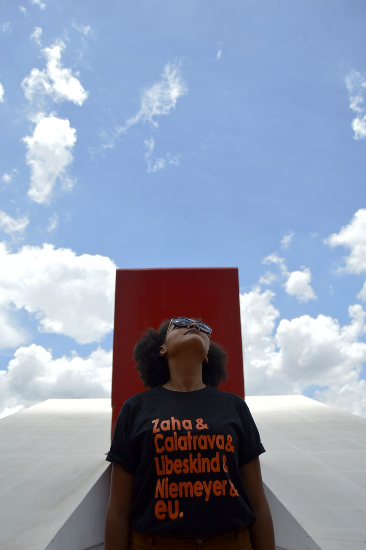 T-shirt Grandes Arquitetos . Zaha Hadid . Santiago Calatrava . Daniel Libeskind . Oscar Niemeyer . Auditório do Ibirapuera . Parque Ibirapuera SP . Camiseta criativa . Arquitetos . Arquitetura . Architecture