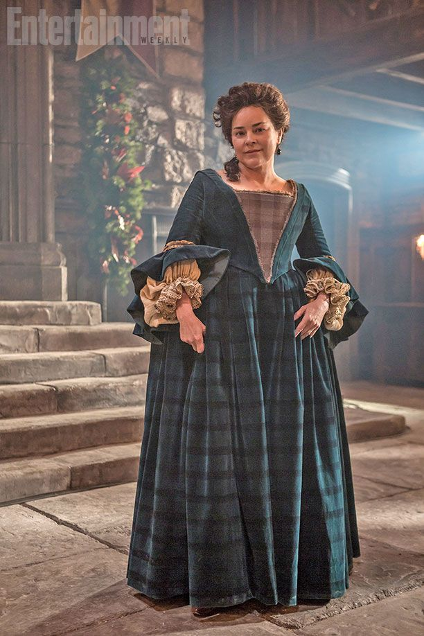 Make room, Claire Beauchamp: Another modern-day lass will find herself transported back to 18th-century Scotland during this week's episode of Outlander. That lass? She's none other than Diana Gabaldon, whose eight-part book series serves as the basis for Starz's new drama.    Iona-MacTavish