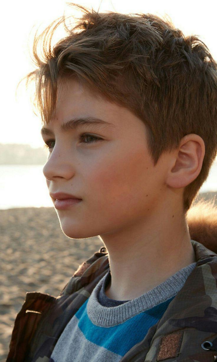 579 best Jungen mit braune Haare images on Pinterest
