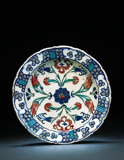 An Iznik pottery dish OTTOMAN TURKEY, CIRCA 1565