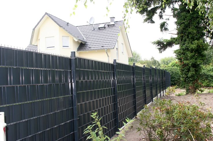 48 best images about privacy fence on pinterest gardens garden privacy and buxus. Black Bedroom Furniture Sets. Home Design Ideas