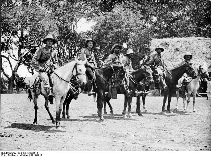 Bundesarchiv Bild 105-DOA3114, Deutsch-Ostafrika, Reiter zu Pferd - German East Africa - Wikipedia