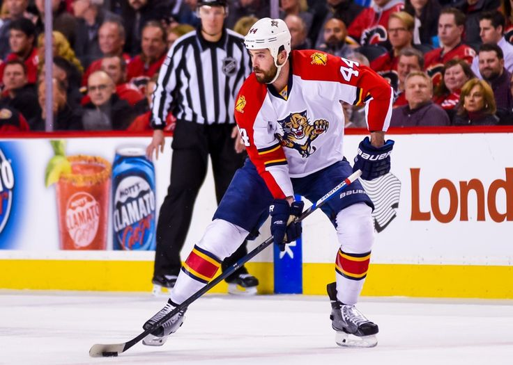 13 January 2016: Florida Panthers Defenceman Erik Gudbranson (44) [8385] during an NHL Hockey game between the Calgary Flames and the Florida Panthers at the Scotiabank Saddledome in Calgary, AB. (Photo by Jose Quiroz/Icon Sportswire)