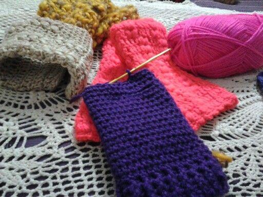 Mitones tejidos a crochet.