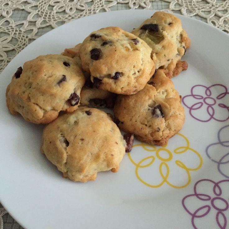 Ελιοπιτάκια νηστίσιμα με μαγιά - Mini olive pies