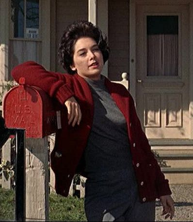 Style Icon: Annie Hayworth in The Birds, played by Suzanne Pleshette