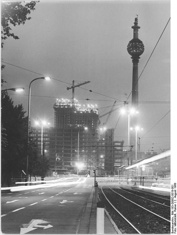 Constructing the Fernsehturm and Hotel 'Stadt Berlin' August 1968