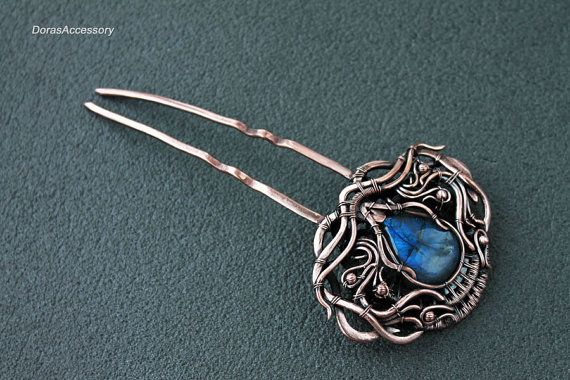 Copper hair pin with deep blue labradorite - copper wirewrapped pin for hair…