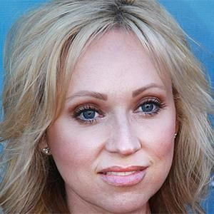 Happy Birthday Leigh-Allyn Baker! She turns 41 today...