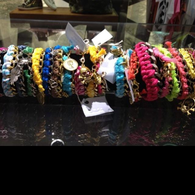 Bracelets with chians...