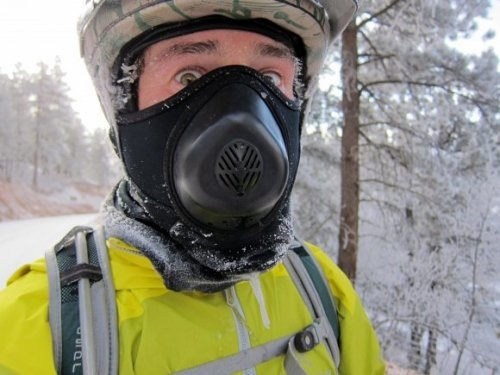 upadowna.com /Talus Cold Avenger Expedition Balaclava/Check out the Cold Avenger line for their other offerings.  http://talusoutdoor.com/