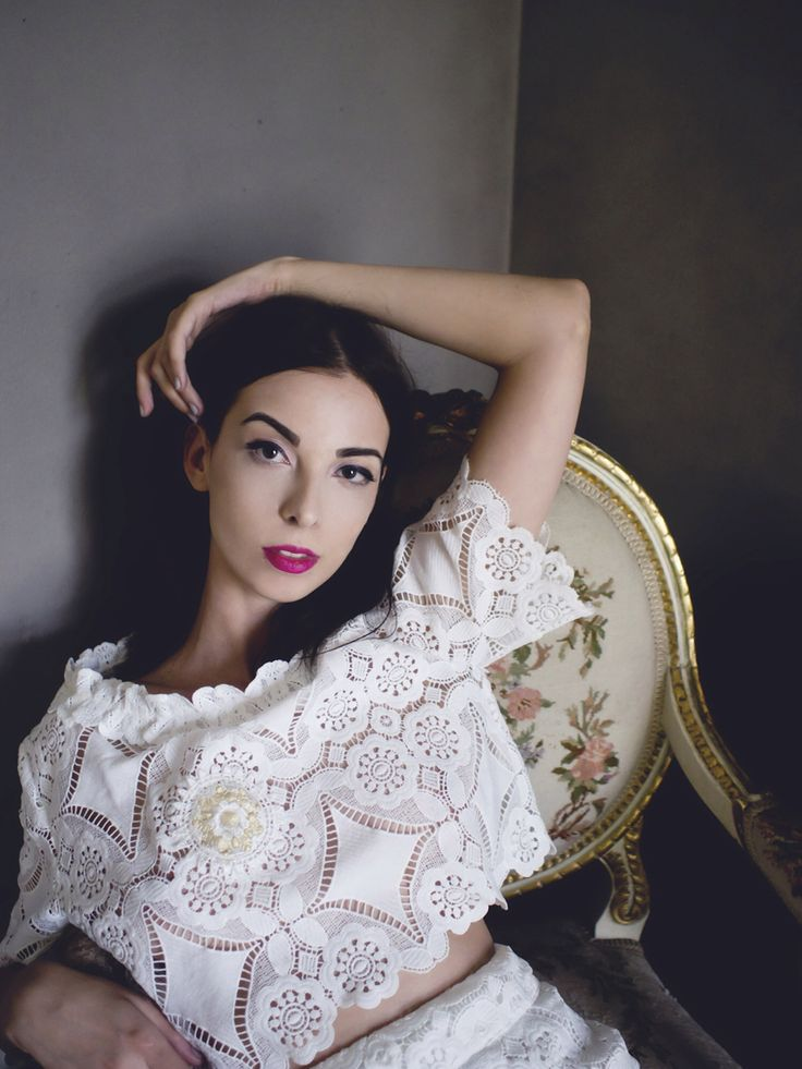 http://gabriellakovari.net/2015/06/05/royal-white-lace/