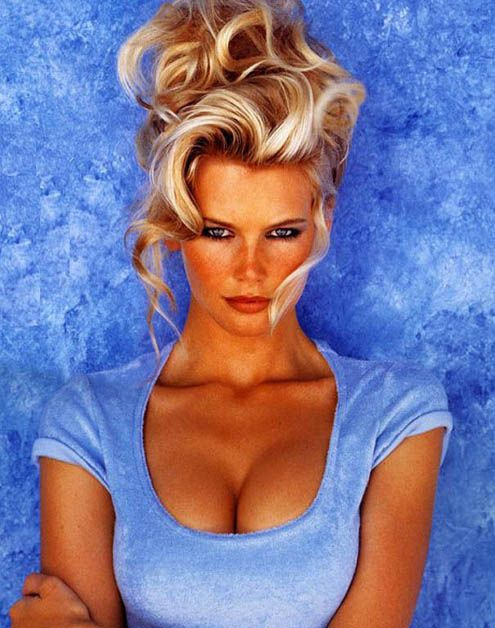 what a babeSexy, Beautiful Haircuts, Style Inspiration, Blue, Blondes, Claudia Schiffer Hair, Hair Care, Beautiful People, Beautiful Girls