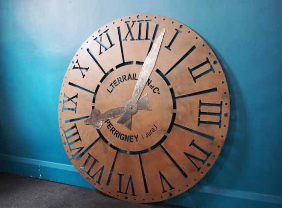 At just under 1.5 metres diameter, this Large Vintage Clock Face with movable hands is is a majestic & handsome piece.  The steel clock face has aged beautifully with surface rust whilst the clock hands have been professionally polished and sealed creating a strong contrast.  Suitable for indoors as a large wall feature or outdoors as a bespoke architectural feature on a garden wall for example.  Wherever placed, this piece will impress all who see it.