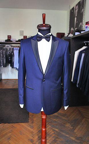 Royal blue tuxedo by Gabriel Bespoke  #tuxedo #blue #madetomeasure #gabriel #bespoke