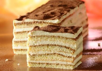 Tiramisu. Kliknij w zdjęcie, aby poznać przepis. #ciasta #ciasto #desery #wypieki #cakes #cake #pastries