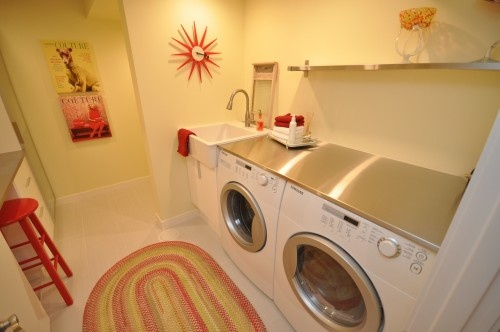 like layout with wash tub directly next to the washer, as well as the counter top for folding