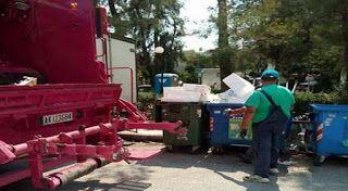 ΕΛΛΗΝΙΚΗ ΔΡΑΣΗ: Η Σκλαβενίτης μαζεύει... σκουπίδια και δέχτηκε κατ...