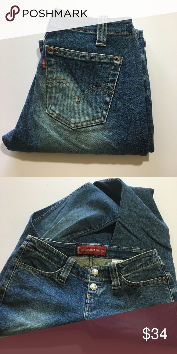 "💸Levi's 520 Too Super Low Stretch Jean size 1 💸Levi's 520 Too Super Low stretch Jean in size 1 inseam 31 1/2"" and rise 6 1/2"". Leg width opening is 8 1/2"" across. Measurements are approximate. Designer distressed and fade throughout. Button fly closure. Totally loving this style from Levi's and you will too! Levi's Jeans Boot Cut"